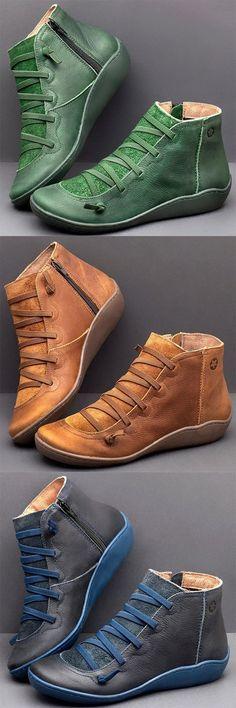 New Arrival Boots Estilo Fashion, Fashion Moda, Fashion Shoes, Women's Fashion, Flat Heel Boots, Heeled Boots, Shoe Boots, Flat Shoes, Crazy Shoes