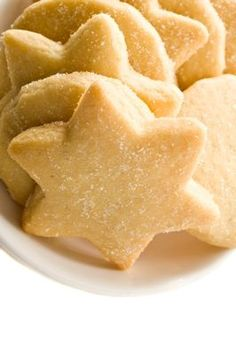 Easy Sugar Cookies Recipe Easy Sugar Cookies - It is also the best recipe I have made yet. Sugar Cookie Recipe Easy, Easy Sugar Cookies, Easy Cookie Recipes, Yummy Cookies, Baking Recipes, Dessert Recipes, Short Bread Cookies Easy, Easy Shortbread Cookies, Shortbread Recipes