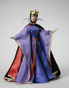 Tonner Doll, The Queen