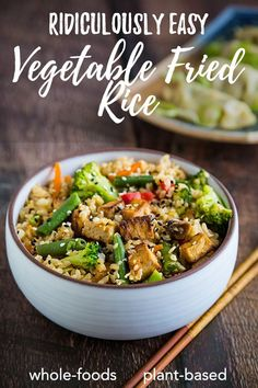 Ridiculously Easy Vegetable Fried Rice: Leftover brown rice becomes a healthy meal in minutes with this whole foods plant based recipe featuring frozen stir-fry vegetables and riced cauliflower. #vegan #wfpb Vegan Lunch Recipes, Vegetarian Recipes Easy, Delicious Vegan Recipes, Vegan Dinners, Asian Recipes, Healthy Recipes, Vegan Food, Yummy Food, Vegetable Fried Rice