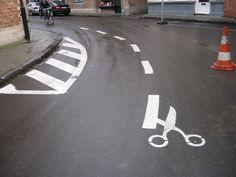 我們的斑馬線和道路上的標線,有可能這樣改變嗎?這算是另一種看待社會規範的視角嗎?