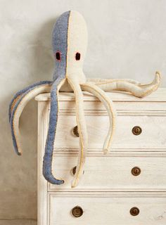 The Octopus is a well loved sea creature in the design world. Here are some cute and chic ideas for your home! Featured on CC: http://www.completely-coastal.com/2015/02/octopus-decor.html