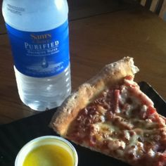 Hmmm how I love Papa Johns :) Good Pizza, Oatmeal, Breakfast, Food, The Oatmeal, Morning Coffee, Rolled Oats, Essen, Meals