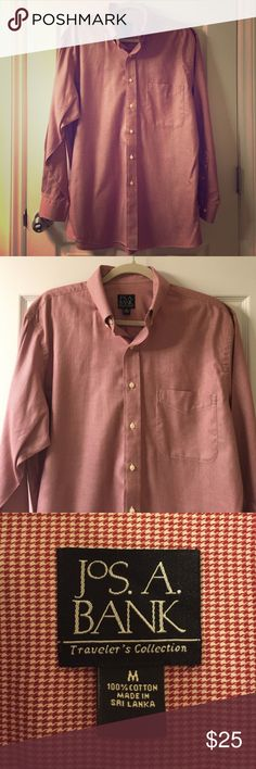 """NWOT Roll Tide shirt! Jos a bank """"Travelers collection"""" shirt. Dark red houndstooth pattern. Perfect for an Alabama fan!  Jos. A. Bank Shirts Dress Shirts"""
