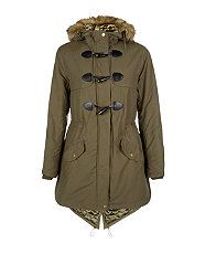 Check out New Look's latest women's parka coats, including classic fur hood coats in black and khaki. Find women's parka jackets, with free delivery available. Winter Coats Women, Coats For Women, Jackets For Women, New Look Fashion, Teen Fashion, New Look Women, Hooded Parka, Faux Fur Jacket, Everyday Fashion