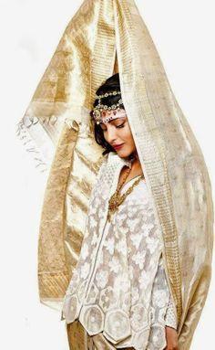 Shruti Hassan Bridal Photoshoot for Harper's Bazaar Magazine India May 2014.