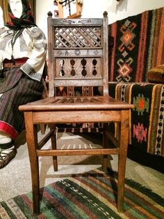 cosy - Gura Humorului, Suceava county, north-east Romania Mobiles, Traditional House, Romania, Rustic Decor, Homesteading, Ukraine, Furniture Design, Chair, Rugs