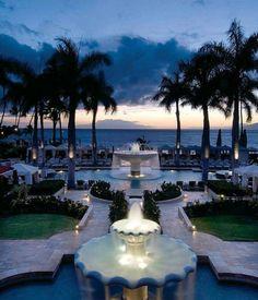 Wailea Maui Photos: Sunset at the Four Seasons Resort Maui at Wailea