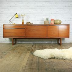 Vintage 1960s White Newton Teak Sideboard: want it for my record player and…