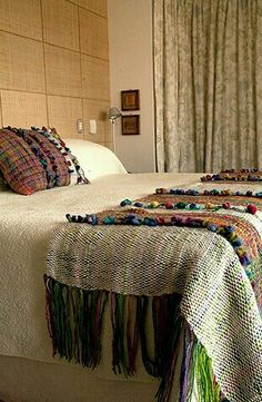 this inspires me. Weaving Projects, Weaving Art, Loom Weaving, Hand Weaving, Bed Rug, Home Goods Decor, Home Decor, Weaving Techniques, Home Textile