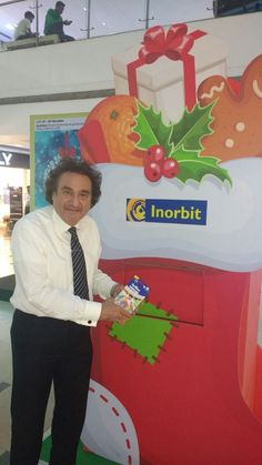 We celebrate Mr Arun Hitkari's gesture while he celebrates the true spirit of Christmas! #InorbitMakesMeSmile