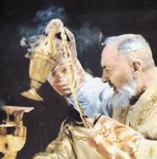 Close encounters of the special kind of Padre Pio with Jesus' Passion in the Mass