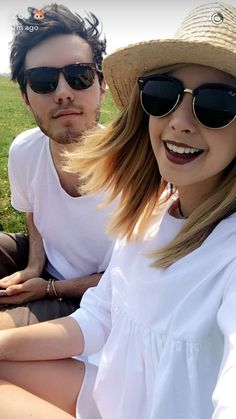 Alfie and Zoella Cute Couples Goals, Couple Goals, Sugg Life, Tanya Burr, Zoe Sugg, Vlog Squad, Oval Faces, Zoella, New Haircuts