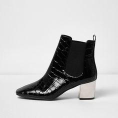 River Island Black crocodile effect chelsea boots (£59) ❤ liked on Polyvore featuring shoes, boots, black, shoes / boots, women, black boots, black pointed toe boots, black pointy toe boots, black crocodile boots and pointed-toe boots