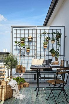 Off The Grid - How To Make The Most Of Your Balcony - Photos