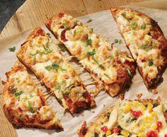 Indian-style shrimp pizza with Tre Stelle® Mozzarella Cheese Entree Recipes, Lunch Recipes, Shrimp Pizza, Mozzarella, Quiche, Entrees, Zucchini, Vegetables, Eat