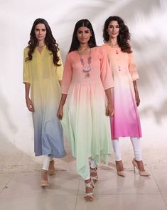 Beautiful pastel color shades and tents. Trendy Dresses, Simple Dresses, Beautiful Dresses, Fashion Dresses, Wrap Dresses, Fashion Clothes, Kurti Designs Party Wear, Kurta Designs, Indian Attire