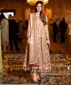 Asian Wedding Dress Pakistani, Pakistani Fancy Dresses, Beautiful Pakistani Dresses, Pakistani Fashion Casual, Indian Gowns Dresses, Pakistani Dress Design, Pakistani Outfits, Bridal Dresses, Stylish Dresses For Girls