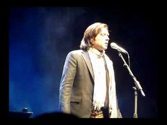 Candles - One of the most beautiful renditions I've heard Rufus Wainwright do of this song. The fact that he wrote the song about his mum's death clearly shows in the passion he displays in this performance <3
