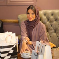Took a break from shopping to share the good news. The giveaways aren't ove. Hijab Fashion Summer, Modern Hijab Fashion, Arab Fashion, Muslim Fashion, Turban Hijab, Hijab Dress, Hijab Outfit, Mode Abaya, Mode Hijab