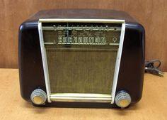 Vintage Philips Bakelite Radio
