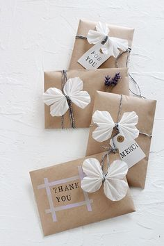 Gift wrapping idea Best Picture For funny DIY Gifts For Your Taste You are looking for something, and it is … Wrapping Ideas, Creative Gift Wrapping, Creative Gifts, Wrapping Gifts, Brown Paper Wrapping, Wrapping Papers, Christmas Gift Wrapping, Christmas Diy, Christmas Presents