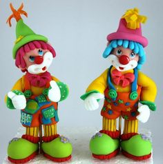 Très jolis clowns en PAS pour décorer un gâteau sur le thème du cirque