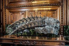 dump trunck . Wim Delvoye - Louvres - http://www.huffingtonpost.fr/charlotte-montpezat/joana-vasconcelos-louvre-exposition_b_1629893.html#