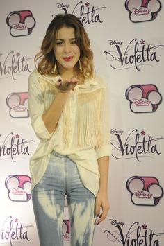 Martina Stoessel Violetta Outfits, Violetta Disney, Violetta And Leon, Violetta Live, Disney Channel, Selena Gomez Red Carpet, Teen Actresses, Barbara Palvin, Sofia Carson