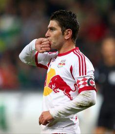 Jonathan Soriano Casas: Salzburgs Torero - Den Fußball-Fans in Europa ist Jonathan Soriano längst ein Begriff. Mehr zur Person hier: http://www.nachrichten.at/nachrichten/meinung/menschen/Jonathan-Soriano-Casas-Salzburgs-Torero;art111731,1313635 (Bild: gepa)