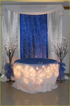 Silver and blue wedding decorations 00198