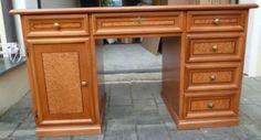Schreibtisch aus Holz in Dießen