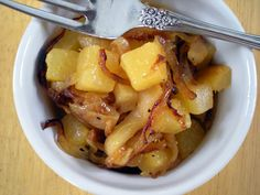 Rutabaga with Caramelized Onions and Apples Recipe on recipe on snack Side Dish Recipes, Gourmet Recipes, Vegetarian Recipes, Dinner Recipes, Cooking Recipes, Healthy Recipes, Healthy Eats, Ketogenic Recipes, Diabetic Recipes
