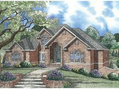 The Almeria Luxury Home has 4 bedrooms, 4 full baths and 2 half baths. See amenities for Plan 055S-0040.