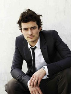 Orlando Bloom.  Hey, remember the time Orlando Bloom was in every movie and it was cool cuz he was really hot.  Then Miranda got pregnant and he let himself go.  I guess when you marry a VS model you don't have to stay hot.  Ha.
