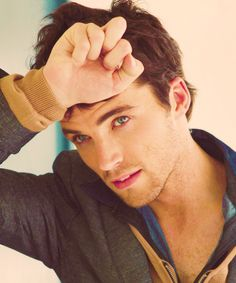 Ian Harding from pretty little liars; if he were my English teacher I somehow don't think I'd get good grades anymore!♥