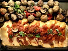 How yummy does this look? Classic Italian Meatball Stromboli is a recipe for success if you love delicious, quick and fun meals!