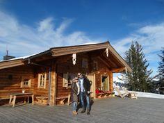 Romantischer Heiratsantrag hoch über #Kitzbühel - Welche Frau würde hier nicht gleich JA sagen! Cabin, House Styles, Home Decor, Woman, Decoration Home, Room Decor, Cabins, Cottage, Home Interior Design