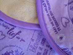 RC Handgemaak: Kombers & Spoegdoek stel - pers Burp Cloth Set, Receiving Blankets, Girly, Stuff To Buy, Women's, Girly Girl, Swaddle Blanket, Baby Blankets