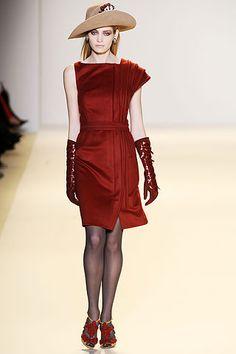 Carolina Herrera Fall 2010 Ready-to-Wear Collection Slideshow on Style.com