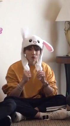 Bts Jin, Bts Bangtan Boy, Bts Taehyung, Namjoon, Jhope, Seokjin, Bts Memes Hilarious, Bts Funny Videos, Jungkook Funny