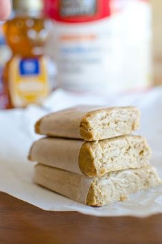 Easy Peanut Butter Protein Bars - Only 4 simple ingredients and ready in 5 minutes!
