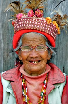 People in Banaue, Philippines. 10 Reasons Why You Should Travel To The Philippines. Photo © Sabrina Iovino Just One Way Ticket We Are The World, People Around The World, Beautiful World, Beautiful People, Philippines, Expressions Photography, Beauty Around The World, Cultural Diversity, Cheap Countries To Travel