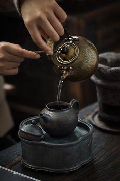 I always wonder what the hell tea will teach me. I always wonder what the hell tea will teach me. Chai, How To Make Matcha, Thé Oolong, Tea Culture, Chinese Tea, Tea Art, My Tea, Tea Ceremony, Tea Recipes
