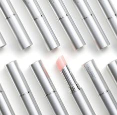 Meilleur lip plumper👄 - Beauty with Tori Spelling - Lipstick Lipgloss, Lipstick Swatches, Lipstick Colors, Lip Colors, Nu Skin, Lip Plumping Balm, Lip Balm, Beauty Makeup, Hair Beauty