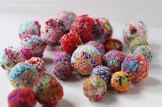Tutorial: Scrap fabric beads