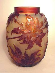 E.GALLÉ (1846–1904)___circa 19..__Clematis Mold-Blown Cameo Glass Vase