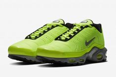Nike Air Max Plus Premium Color  Full Volt Matte Silver Style Code  815994 ea9d04be6