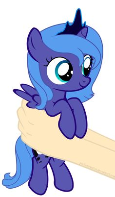 Luna on hands (Animation) by JustisAnimation