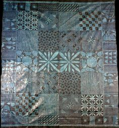 Africa | Adire cloth from the Yoruba people Abeokuta (Jankara market), Nigeria | ca. 1976